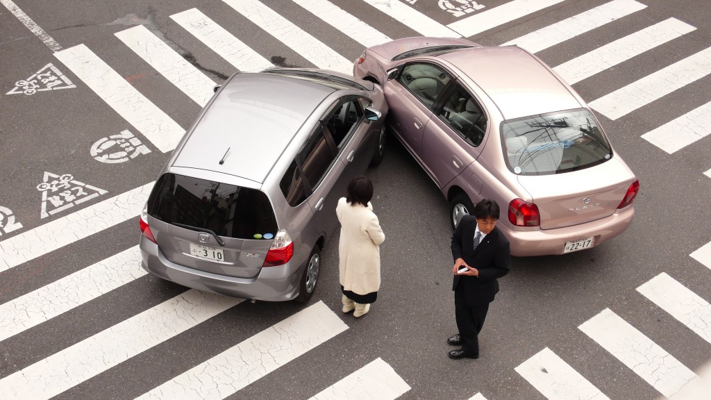 Isn't it easy to avoid the accident?