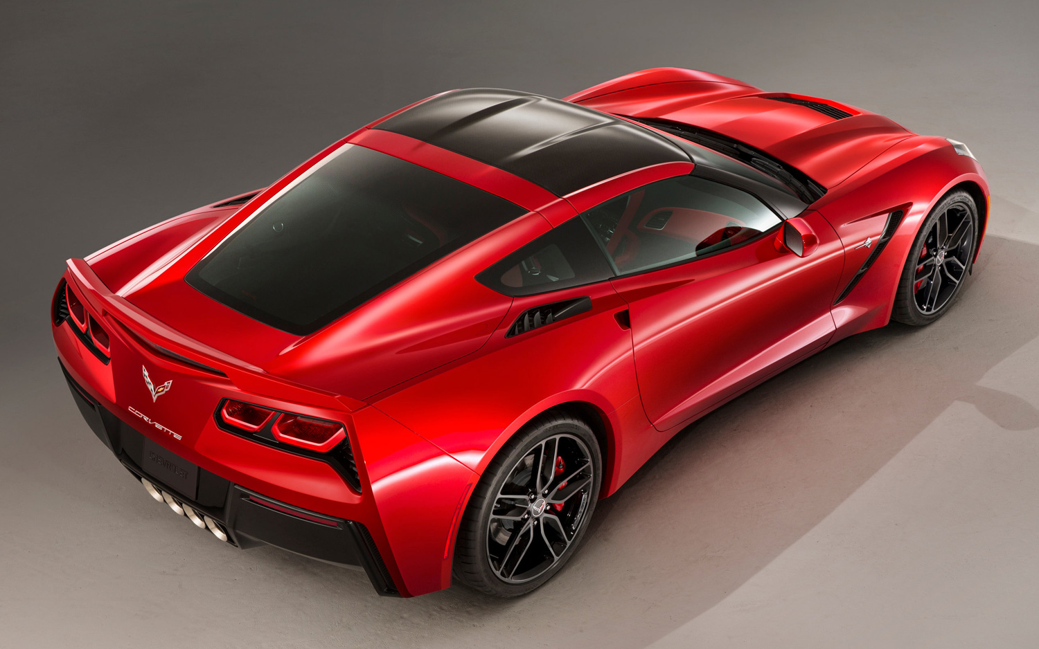 2014-chevrolet-corvette-stingray-in-red-top-down-view