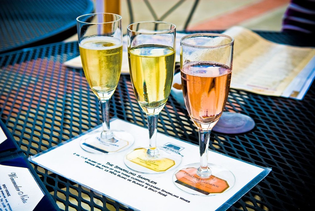 1200px-Domaine_Carneros_sparkling_wines